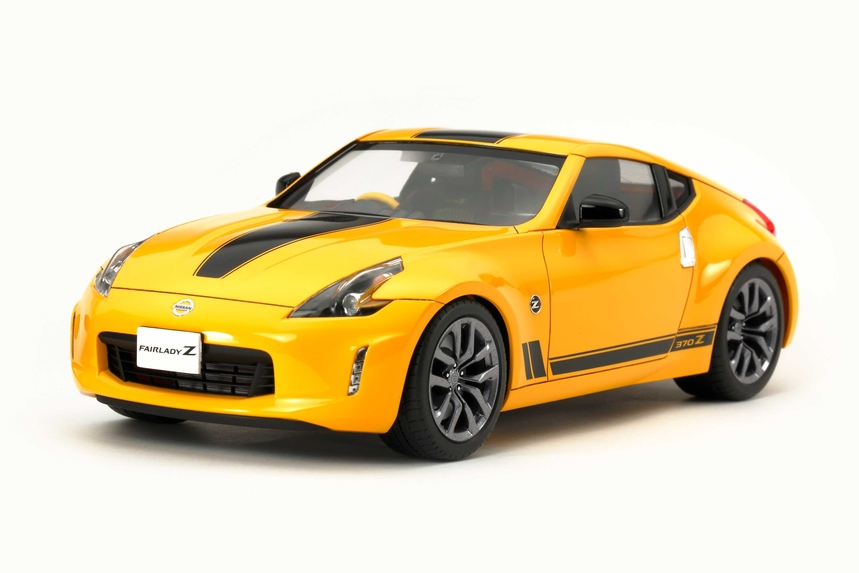 1/24 NISSAN 370Z HERITAGE EDITION #24348